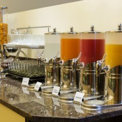Hotel Lucia гостиничный бар