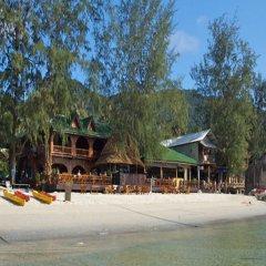 Отель Bans Diving Resort Таиланд, Остров Тау - отзывы, цены и фото номеров - забронировать отель Bans Diving Resort онлайн пляж
