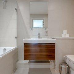 Апартаменты Charming 2 Bedroom Apartment Next to Maltby Market ванная фото 2