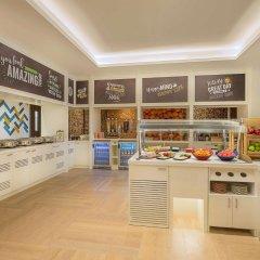 Отель Hampton by Hilton Dubai Airport развлечения