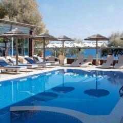 Отель Elixir Studios бассейн