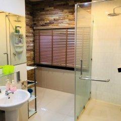 Отель Thai Family Rawai Pool Villa ванная фото 2