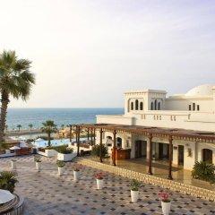 Отель The Cove Rotana Resort пляж фото 2