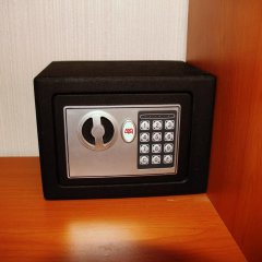 Hotel Volna сейф в номере