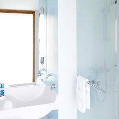 Отель Novotel Edinburgh Centre Великобритания, Эдинбург - отзывы, цены и фото номеров - забронировать отель Novotel Edinburgh Centre онлайн ванная
