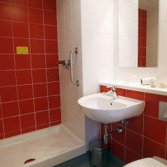 Отель Travelodge Madrid Alcalá Мадрид ванная