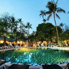 Отель ZEN Premium Chaloemprakiat Patong бассейн