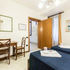Отель Iris Venice Италия, Венеция - 3 отзыва об отеле, цены и фото номеров - забронировать отель Iris Venice онлайн комната для гостей фото 12