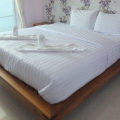 Апартаменты Kaewfathip Apartment Паттайя комната для гостей
