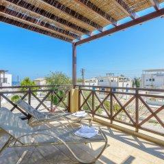 Отель Konnos Beach Villa 3 балкон
