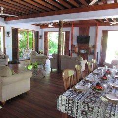 Отель De Vos - The Private Residence гостиничный бар