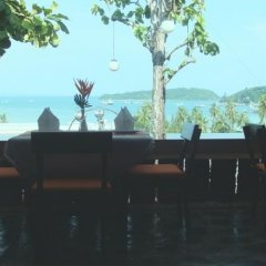 Отель The Chalet Phuket Resort Таиланд, Пхукет - отзывы, цены и фото номеров - забронировать отель The Chalet Phuket Resort онлайн пляж