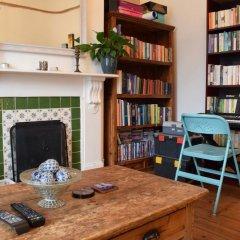 Отель 2 Bedroom Flat In Earlsfield Великобритания, Лондон - отзывы, цены и фото номеров - забронировать отель 2 Bedroom Flat In Earlsfield онлайн развлечения