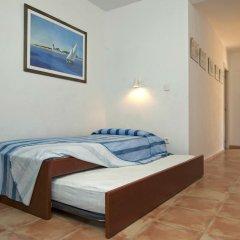 Отель Apartaments el Berganti Испания, Курорт Росес - отзывы, цены и фото номеров - забронировать отель Apartaments el Berganti онлайн комната для гостей фото 3