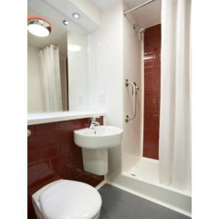 Отель Travelodge Liverpool Central Exchange Street ванная фото 2