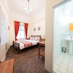 Отель Prague Loreta Residence Чехия, Прага - отзывы, цены и фото номеров - забронировать отель Prague Loreta Residence онлайн комната для гостей фото 5