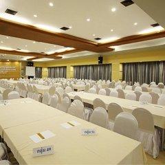 Отель Sea Breeze Jomtien Resort