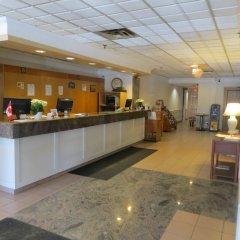 Отель Howard Johnson Hotel Yorkville Канада, Торонто - отзывы, цены и фото номеров - забронировать отель Howard Johnson Hotel Yorkville онлайн интерьер отеля фото 2