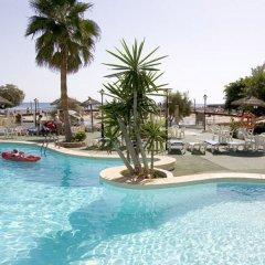 Отель Apartamentos Playa Moreia бассейн фото 2