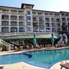 Отель Triumph Holiday Village Свети Влас бассейн фото 3