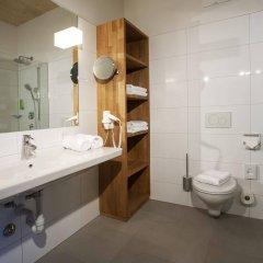 Отель Hells Ferienresort Zillertal Австрия, Фюген - отзывы, цены и фото номеров - забронировать отель Hells Ferienresort Zillertal онлайн ванная