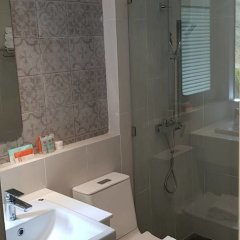 Отель Baan Karon Resort ванная фото 4