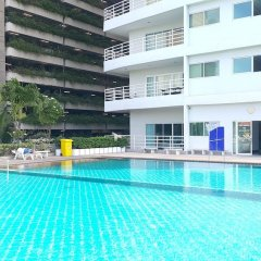Отель Vtsix Condo Service at View Talay Condo бассейн