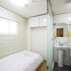 Отель K-Pop Residence Myeong Dong комната для гостей