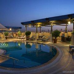Отель Grand Excelsior Hotel Deira ОАЭ, Дубай - 1 отзыв об отеле, цены и фото номеров - забронировать отель Grand Excelsior Hotel Deira онлайн бассейн