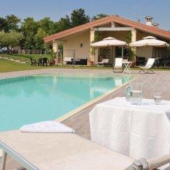 Отель Agriturismo Colle Dei Pivi Понти-суль-Минчо бассейн фото 3