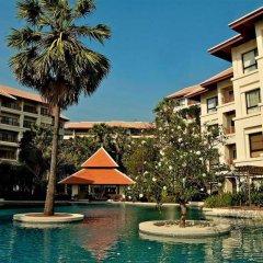 Отель Santi Pura Residences бассейн