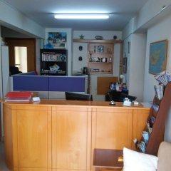 Отель Nondas Hill Hotel Apartments Кипр, Ларнака - отзывы, цены и фото номеров - забронировать отель Nondas Hill Hotel Apartments онлайн интерьер отеля