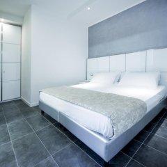 Atmosphere Suite Hotel сейф в номере