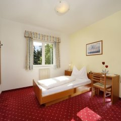 Hotel Sigmundskron Аппиано-сулла-Страда-дель-Вино комната для гостей фото 2