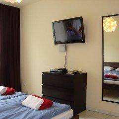 Отель Bermuda Triangle B&B Германия, Кёльн - отзывы, цены и фото номеров - забронировать отель Bermuda Triangle B&B онлайн удобства в номере фото 2