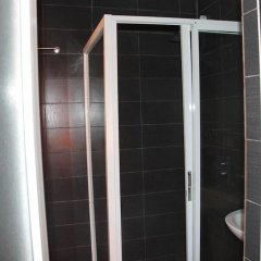 Отель Lakeem Suites Adebola ванная