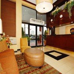 Отель Best Western Kennedy Airport США, Нью-Йорк - 1 отзыв об отеле, цены и фото номеров - забронировать отель Best Western Kennedy Airport онлайн интерьер отеля фото 2