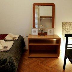 Отель Red Bed & Breakfast Болгария, София - отзывы, цены и фото номеров - забронировать отель Red Bed & Breakfast онлайн удобства в номере фото 2