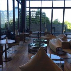 Отель Away Baan Plai Haad Wongamat гостиничный бар
