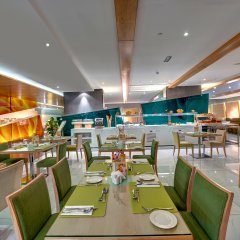 Al Khoory Executive Hotel питание