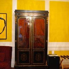 Отель Windsor Home сейф в номере фото 2