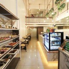 Отель Tkt's Row House Бангкок питание