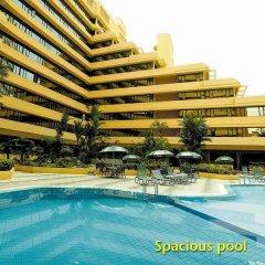 Отель Corus Hotel Kuala Lumpur Малайзия, Куала-Лумпур - 1 отзыв об отеле, цены и фото номеров - забронировать отель Corus Hotel Kuala Lumpur онлайн бассейн фото 3