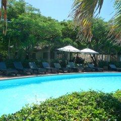 Отель Sarikantang Resort And Spa бассейн фото 3