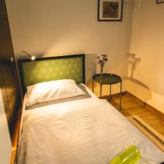 Post Factory Bed & Breakfast Sathorn Hostel - Adults Only Бангкок фото 16