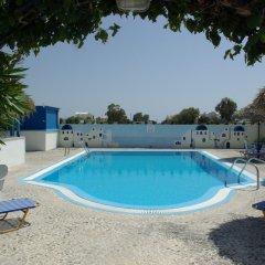 Отель Youth Hostel Anna Греция, Остров Санторини - отзывы, цены и фото номеров - забронировать отель Youth Hostel Anna онлайн бассейн фото 2