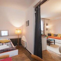 Отель Velvet Revolution Apartment Чехия, Прага - отзывы, цены и фото номеров - забронировать отель Velvet Revolution Apartment онлайн комната для гостей фото 3