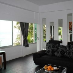 Отель Karon Cliff Bungalows комната для гостей фото 4