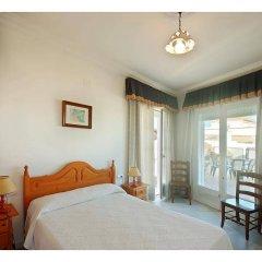 Отель Hostal La Posada Испания, Кониль-де-ла-Фронтера - отзывы, цены и фото номеров - забронировать отель Hostal La Posada онлайн комната для гостей фото 2