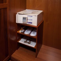 Гостиница Отрада сейф в номере